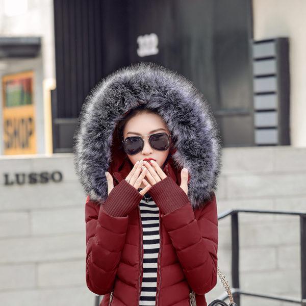 Dámská zimní bunda s kožichem - vínová